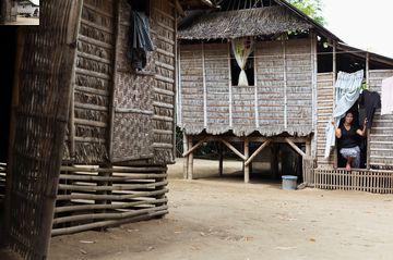 Raised housing in Pangasinan, the Philippines. Photo by Kaisa Sojakka.