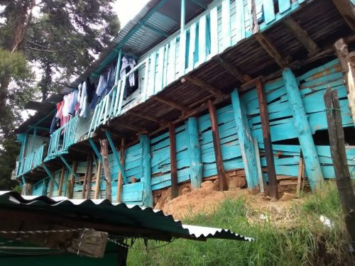 Residents have realised how much harm the heavy rains could cause, and how exposed their homes are. A typical house in the community of Pinares de Oriente that underwent monitoring and mitigation works as part of the projec