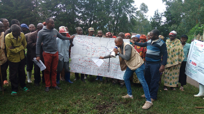 As part of the FARM program, Mercy Corps conducted a participative cartography activity in Bugusa Hill, DRC, and shared the findings with the local population during several meetings.