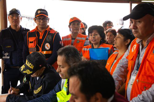 Brigades and local authorities coordinating emergency response exercise in 2019. Credit: Giorgio Madueño, Practical Action Peru