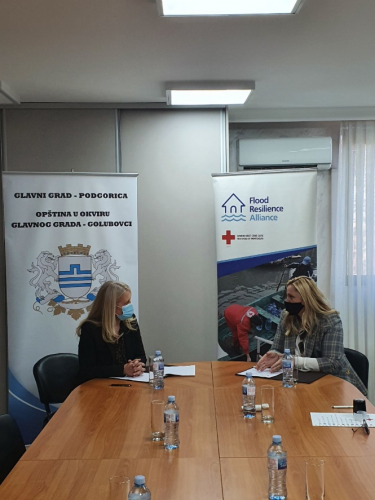 The Red Cross of Montenegro and Municipality of Golubovci sign the project agreement for the enhancement of the flood protection infrastructure. Credit: Red Cross of Montenegro