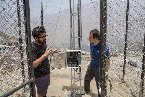 KOICA monitoring station in Castilla quebrada (Chosica - Lima) w. Miguel Arestegui and Michael Szoenyi